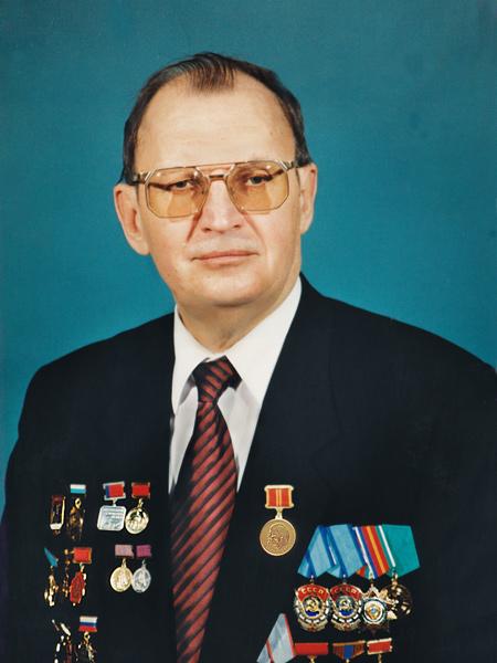 Заместитель Министра энергетики и электрификации СССР с 1986 по 1992 гг.